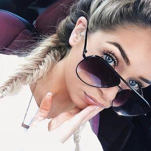Black and gray mirror lense sunglasses